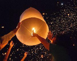 традиция запуска небесных фонариков, как запустить небесный фонарик