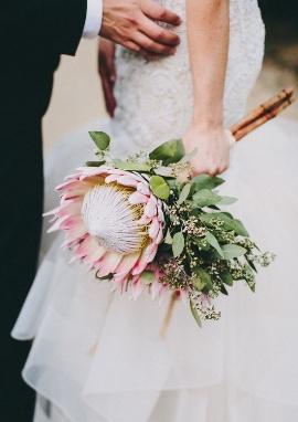 Цветы самые необычные свадебные букеты доставкой
